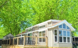 Pioneer Point Cottage & RV Resort - Parkbridge